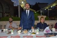 ÖZLEM YILMAZ - Başkan Yılmaz Belediye Çalışanlarıyla İftarda Bir Araya Geldi