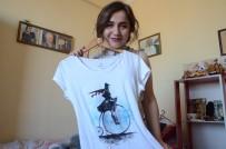 ÖĞRETMEN ADAYI - Bu Tişörtlerle 'Pişti' Derdine Son