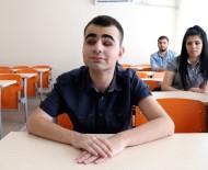 GÖRME ENGELLİ - Görme Engelli Genç Üniversiteyi Bölüm Birincisi Bitirdi