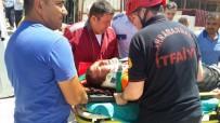 MEHMET ŞEKER - İnşaatta İskele Çöktü Açıklaması 3 Yaralı