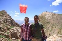 TIR ŞOFÖRÜ - Kato Dağı Zirvesine Bayrak Asan Kişi Karadenizli Çıktı