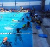 YÜZME KURSU - Kemalpaşalı Çocuklar Yüzme Öğreniyor