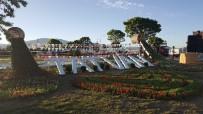 VAN GÖLÜ - Tatvan'da 90 Bin Adet Çiçek Ekimi Yapıldı