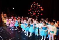 FRANSıZCA - Adana Büyükşehir Belediyesi Gündüz Çocuk Bakımevi Öğrencilerinden Yıl Sonu Gösterisi