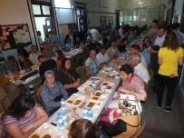 YAĞIŞLI HAVA - AK Parti Milas İlçe Teşkilatından 2 Bin Kişilik İftar