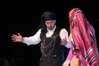 TANZIMAT - Amatör Oyuncular Semt-İ Şahane Beykoz Adlı Tiyatro Oyununu Sergiledi