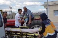 YAŞLI ADAM - Rahatsızlanan Yaşlı Adam Traktörle Hastaneye Geldi