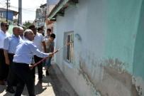 MEHMET GÜLER - Salihli'de Evler Boyanıyor