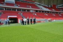 İBRAHIM ŞAHIN - Vali Yeni Stadı İnceledi