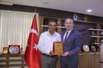 OTOBÜS ŞOFÖRÜ - Başkan Şahiner Duyarlı Şoförü Ödüllendirdi