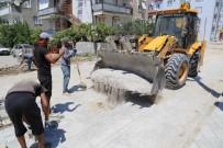 Burhaniye'de Eski Mahallelere Yeni Yollar Yapılıyor