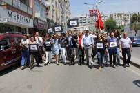 ATATÜRK ANITI - CHP'liler, Mersin'de Cumhuriyet Meydanı'na Yürüdü