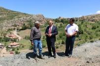 FUTBOL SAHASI - Delialiuşağı Mahallesi'nde Çalışmalar Başladı