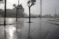 ÜST GEÇİT - İstanbul'da Yağmur Sürprizi
