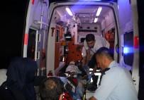 ÇUKUROVA ÜNIVERSITESI - Kamyon Motosiklete Çarptı Açıklaması 2 Ölü 1 Yaralı