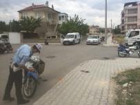 MUSTAFA YıLDıZ - Karaman'da Motosikletler Çarpıştı Açıklaması 1 Ölü, 1 Yaralı
