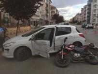 KÜÇÜK ÇOCUK - Karaman'da Trafik Kazaları Açıklaması 2 Yaralı