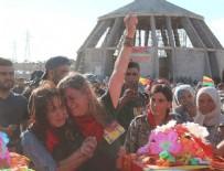 GEZİ PARKI - 'Kırmızı fularlı' terörist Kobani'de toprağa verildi