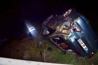 HITIT ÜNIVERSITESI - Otomobil Dereye Uçtu  Açıklaması 1 Ölü, 2 Yaralı