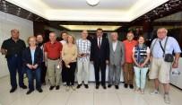 SELAHATTIN GÜRKAN - Robert Koleji 1967 Mezunları, Başkan Gürkan'ı Ziyaret Etti