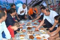 DENİZ FENERİ - Yardıma Muhtaç Aileye Sürpriz İftar Ziyareti