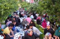 BAĞCıLAR BELEDIYESI - Bağcılarlı Vatandaşlar Kiraz Bahçesinde Oruçlarını Açtı