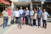 ULUSAL EGEMENLIK - Başkan Tarhan'dan Eski Belediye Başkanına Bisiklet