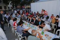 SELAHATTIN GÜRKAN - Battalgazi Belediyesi İftar Çadırında 2 Bin 500 Kişiye İftar Verildi