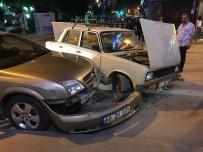 ZIRAAT BANKASı - Bilecik'te Zincirleme Trafik Kazası; Biri Park Halinde 3 Araç Birbirine Girdi