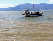 BALTıK DENIZI - Burdur Gölü'nde 'alg patlaması'
