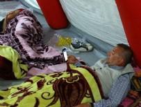 CHP'liler hipodrom yakınında uykuya geçti
