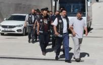 Elazığ'da FETÖ'den Gözaltına Alınan 13 Sağlıkçı Adliyede