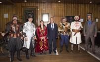 ATATÜRK ÜNIVERSITESI - Atlı Okçuluk Kulübü Rektör Çomaklı'yı Ziyaret Etti