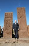 BÜLENT TEKBıYıKOĞLU - Bakan Kılıç'ın Bayırbucak Türkmeniyle Renkli Diyaloğu Kahkahaya Neden Oldu