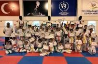 Geleceğin Karatecileri Diploma Ve Kuşaklarına Kavuştu