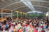 HACIVAT VE KARAGÖZ - Hisarcık Belediyesinden 3 Bin 500 Kişilik Toplu İftar
