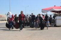 Suriyelilerin 'Vatan Özlemi' Kuyruğa Dönüştü