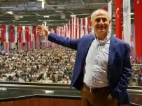 KAPALI ALAN - Türkiye'nin En Kalabalık Kapalı Alan İftarı Büyükçekmece'de Yapıldı