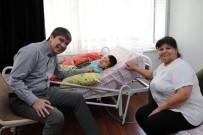 SEREBRAL PALSİ HASTASI - Başkan Türel'den Hasta Oğlu İçin Sarma Yapan Semra Hanıma Anlamlı Ziyaret