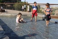 ELEKTRİK KAÇAĞI - Çocuklar Süs Havuzlarında Tehlikeye Davetiye Çıkarıyor