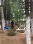 Altıntaş'ta Bayram Öncesi Mezarlık Temizliği