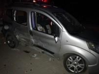 SELAHADDIN - Antalya'da Trafik Kazası Açıklaması 1 Ölü, 3 Yaralı