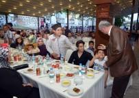 ATMOSFER - Başkan Polat Belediye Çalışanları İle İftarda Bir Araya Geldi