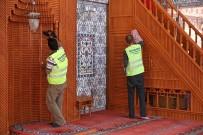 BUCA BELEDİYESİ - Buca Camilerinde Bayram Temizliği