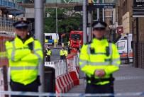 LONDRA - Camiden Çıkanlara Kamyonlu Saldırı Açıklaması 1 Ölü, 10 Yaralı