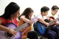 BİLGİ EVLERİ - Çocuklar 11 Farklı Atölyede Yeteneklerini Geliştirdiler