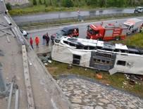 İL SAĞLIK MÜDÜRÜ - Çorum'da yolcu otobüsü üst geçitten düştü