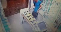 HIRSIZLIK BÜRO AMİRLİĞİ - Denizli'de Telefon Hırsızlığı Kamerada