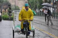 GÜNEŞLI - Eskişehir'de Yağmur Etkili Oldu