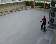 YENI CAMI - İmamın Bisikleti Böyle Çalındı